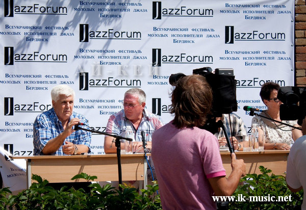 jazz-forum-prezentation-15-07-2011-photo helen marinich.jpg